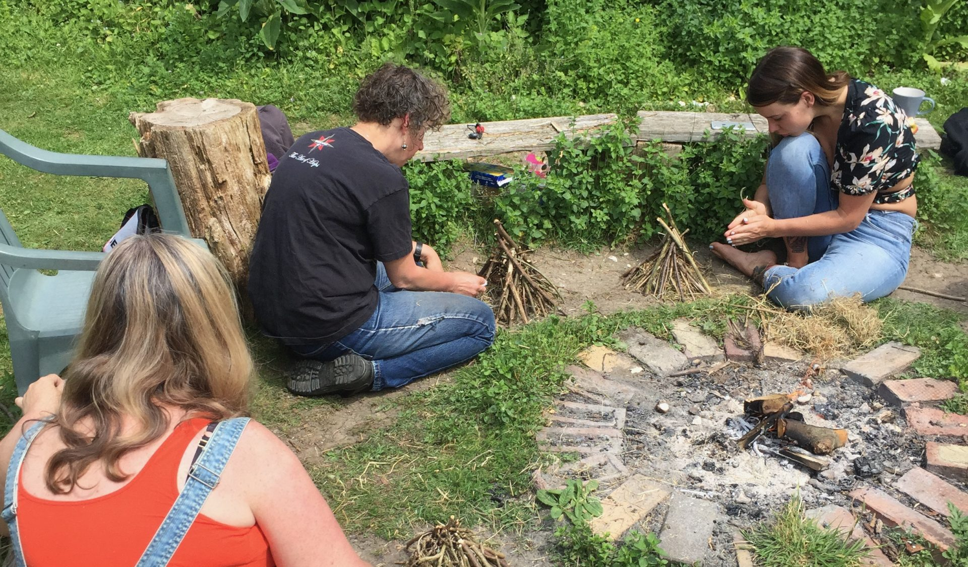 people learning fire lighting